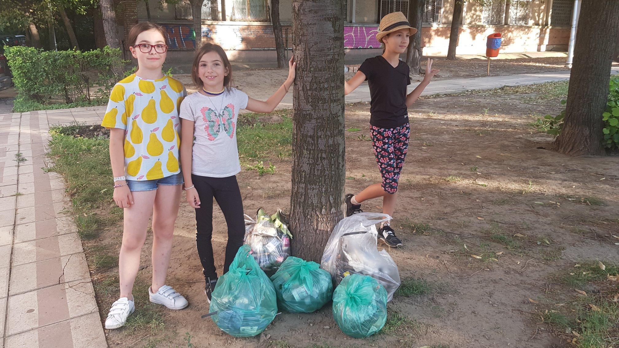 Un copil vrea să salveze planeta. Povestea Emei, o fetiţă de 9 ani care a devenit model pentru adulţi   GALERIE FOTO, VIDEO