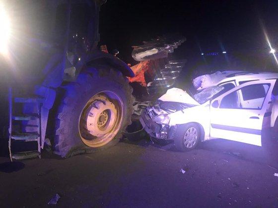 Imaginea articolului Un mort şi un rănit, într-un accident produs între o maşină şi un tractor, în Giurgiu