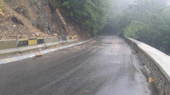 Imaginea articolului Drum naţional din Covasna, afectat de alunecările de teren, blocat până la toamnă/ Rutele ocolitoare