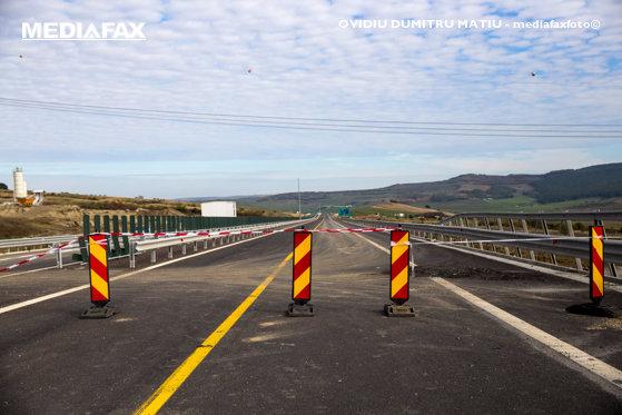 Imaginea articolului Echipele CNAIR intervin de urgenţă pe A2, la km 20, sensul Bucureşti – Constanţa după ce au apărut probleme în asfalt