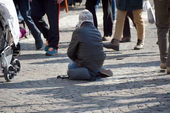 Imaginea articolului O realitate tristă în România: Un copil de 8 ani a dispărut de acasă, după ce a plecat la cerşit | FOTO