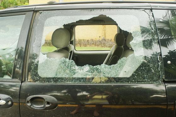 Imaginea articolului Incident grav în Mamaia: Copil de un an, blocat în maşină. Pompierii au fost nevoiţi să spargă geamul ca să-l scoată
