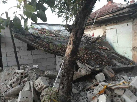 Imaginea articolului Un tânăr din Gorj a murit strivit de tavanul unei case unde lucra