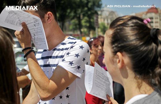 Imaginea articolului BAC 2019, sesiunea de toamnă: Absolvenţii susţin prima probă scrisă/ Cum decurge examenul la Limba şi literatura română. Când se afişează rezultatele