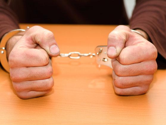 Imaginea articolului Trei bărbaţi reţinuţi în Capitală pentru lipsire de libertate şi viol în cazul a doi minori
