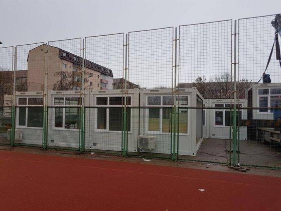 Imaginea articolului Doar şapte din cele 29 de şcoli din Suceava care au toaleta în curte au optat una tip container