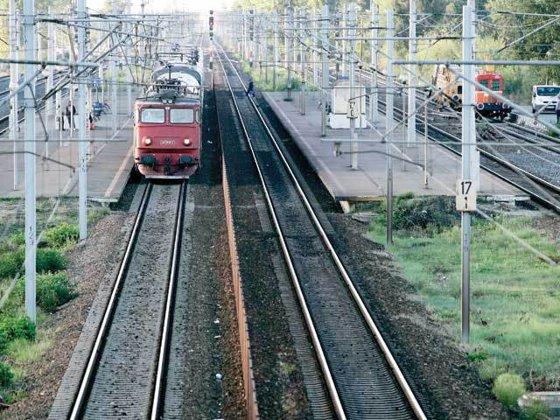 Imaginea articolului O locomotivă a sărit de pe şine, în Constanţa. Nu s-au înregistrat victime