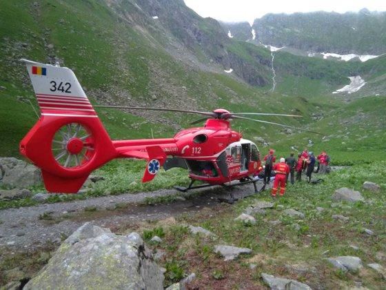 Imaginea articolului Operaţiune dramatică de salvare: Tânăr în şoc anafilactic, preluat de un elicopter SMURD, după ce a fost înţepat de insecte