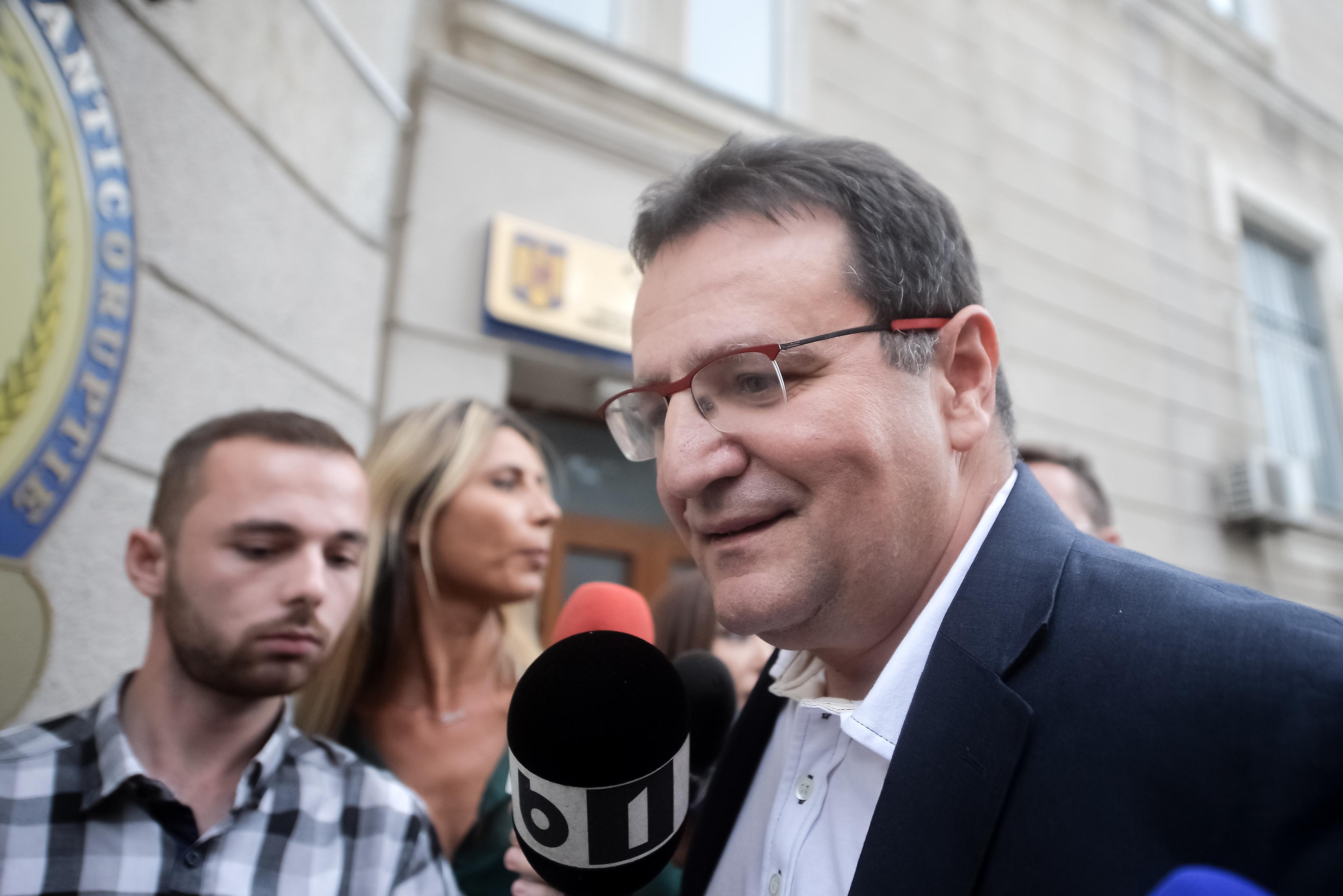 George Maior, audiat la DNA, într-un dosar de corupţie. Fostul şef SRI: De mult timp voiam să vin, discuţie foarte plăcută cu domnii procurori | VIDEO