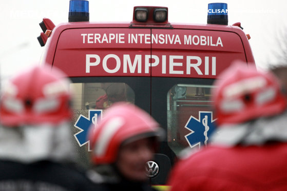 Imaginea articolului Trafic întrerupt. Cinci răniţi după un accident grav în Bacău