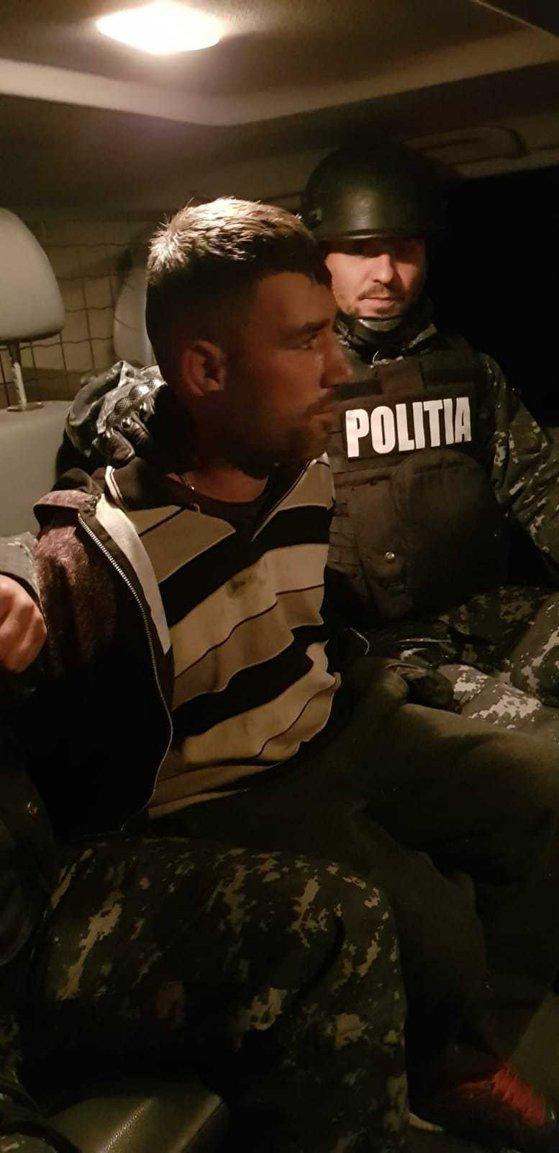 Imaginea articolului Bărbatul condamnat pentru omor, care evadase din Penitenciarul Focşani, a fost prins. Unde l-au găsit poliţiştii | FOTO