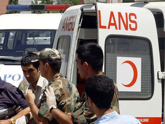 Imaginea articolului Explozie în Turcia: Cinci oameni au fost răniţi, după un ATAC cu bombă care a vizat un autocar plin de poliţişti