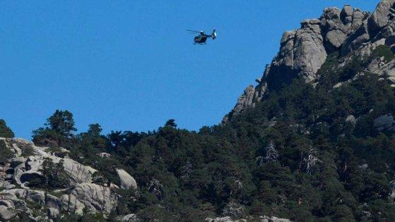Imaginea articolului Intervenţie de noapte: Blocat pe munte, un tânăr s-a oprit din alunecare înainte să cadă într-o râpă. Cum l-au găsit jandarmii