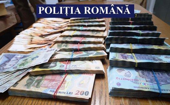 Imaginea articolului Şapte persoane reţinute, în urma a zeci de percheziţii în Constanţa şi Călăraşi: Peste 350.000 de lei şi ţigări de contrabandă, găsite de poliţişti - FOTO