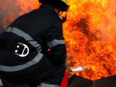 Imaginea articolului Incendiu la o staţie de sortare a deşeurilor de la marginea oraşului Râmnicu Vâlcea
