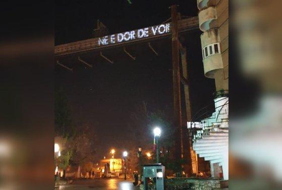 """Imaginea articolului Mesaj pentru diaspora, într-un municipiu din care sunt plecaţi în străinătate 12.000 de oameni: """"Ne e dor de voi"""""""