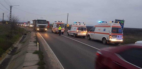 Imaginea articolului Impact mortal pe DN15: Două persoane şi-au pierdut viaţa după ce un şofer a pătruns pe contrasens. FOTO