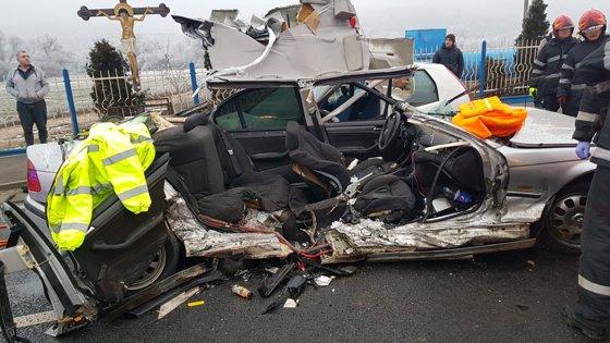 FOTO. Grav accident în Cluj: Trei persoane rănite după o ciocnire în lanţ / Şoferul vinovat nu avea permis