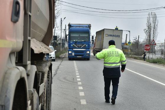 Imaginea articolului Poliţistul din Târgu-Jiu, ridicat de colegi pentru un dosar de furt în Germania, lăsat în libertate