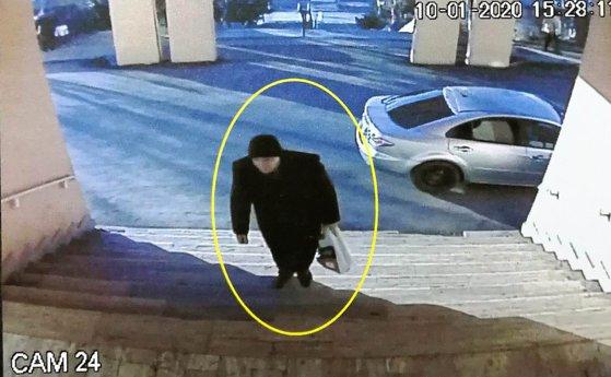 Imaginea articolului Crima de la Spitalul din Piatra Neamţ. Bărbatul care şi-a omorât soţia, director medical, a fost arestat preventiv