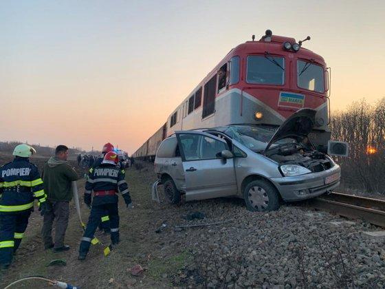 Imaginea articolului Accident feroviar în Dolj, după ce un şofer a forţat trecerea căii ferate. Poliţiştii au deschis dosar penal