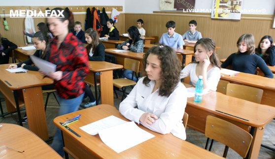 Imaginea articolului Elevii şi preşcolarii revin azi la cursuri. Când vor avea următoarea vacanţă
