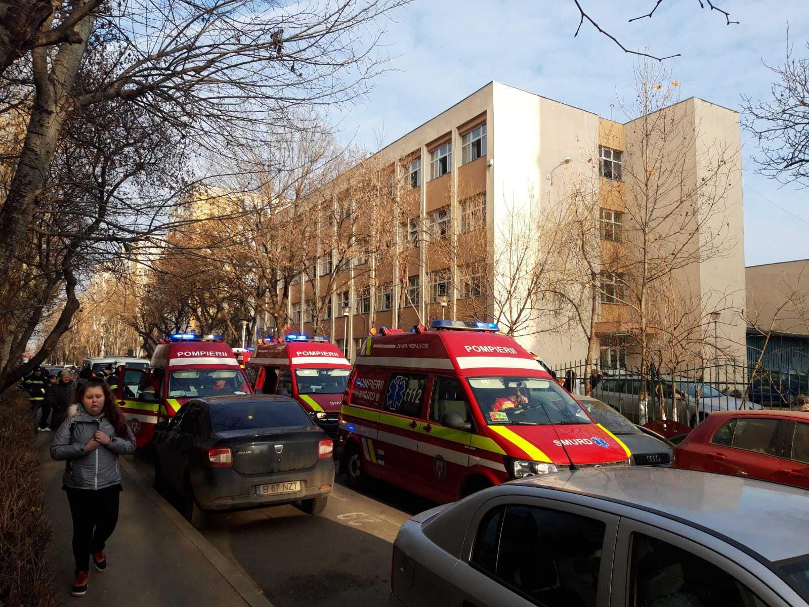 Şcoala 133 din Capitală, închisă pentru 72 de ore, după ce 18 elevi au ajuns la spital în urma unei igienizări. Substanţele folosite la deratizare / Anunţul Primăriei Sectorului 4 - FOTO