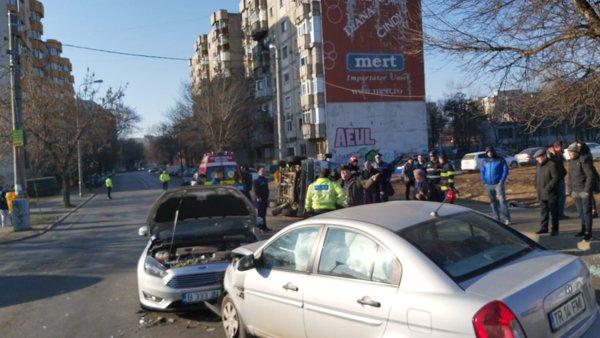 Accident In Capitală Autospecială A Poliţiei Răsturnată După Ce