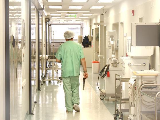 Improvizaţii la UPU Craiova. Cardiolog: Folosim sondă pentru abdomen ca să vedem inima pacienţilor