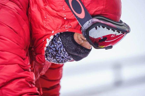 Imaginea articolului Tibi Uşeriu ia startul din nou la Arctic Ultra, după ce anul trecut a eşuat din cauza degerăturilor