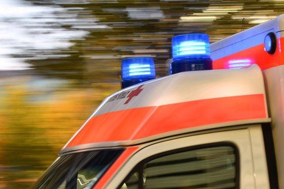 Un ATV a lovit un taxi şi un pieton pe o stradă din Sibiu. Victima a fost transportată la spital