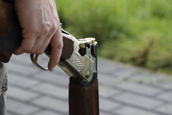 Imaginea articolului Un vânător a anunţat la 112 că s-a împuşcat în braţ