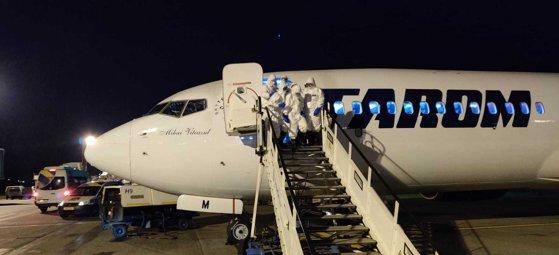 Imaginea articolului Tarom a ajutat 23 de italieni blocaţi la Brăila să se întoarcă acasă. Avionul a revenit în ţară cu peste 100 de români