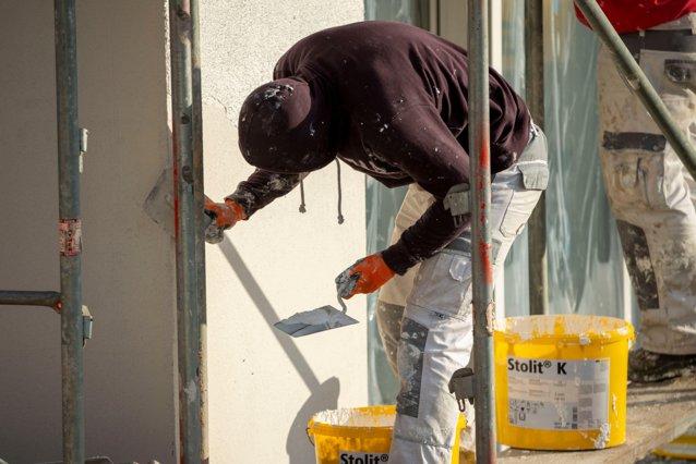 Doi muncitori ţinuţi ostatici şi omorâţi de fostul proprietar al unui apartament din Bacău|EpicNews