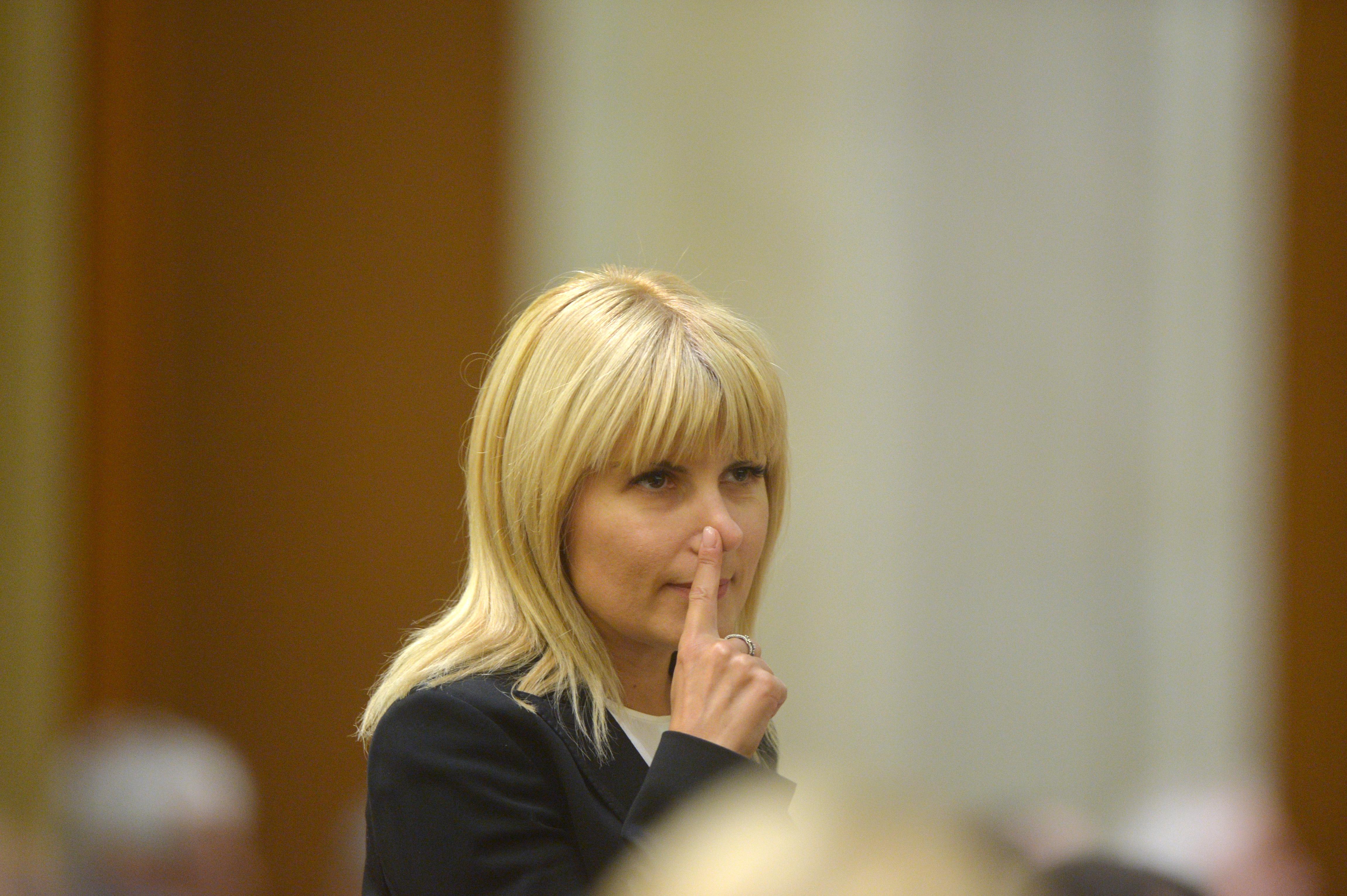 """Prima reacţie a Elenei Udrea după condamnarea sa în prima instanţă: """"Sunt şocată! Am fost condamnată pe legi care nu există""""/ """"O blestem pe judecătoare"""""""