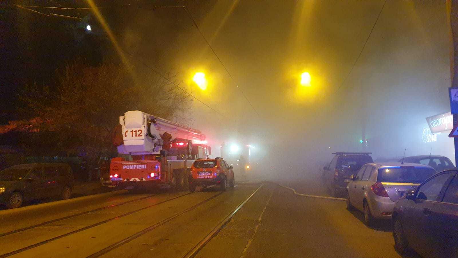 VIDEO Incendiu puternic în Bucureşti
