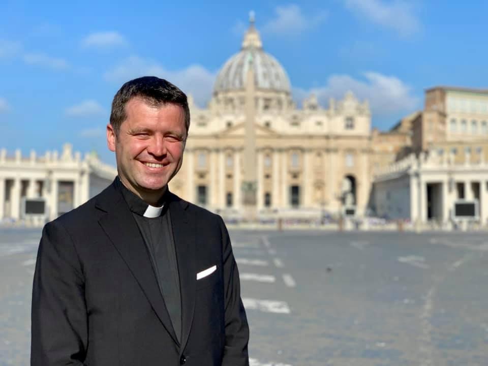VIDEO Francisc Doboş, înainte de Paştele catolic: Reţetă de Înviere. FaceTime cu măsură, nu doar pentru facelift