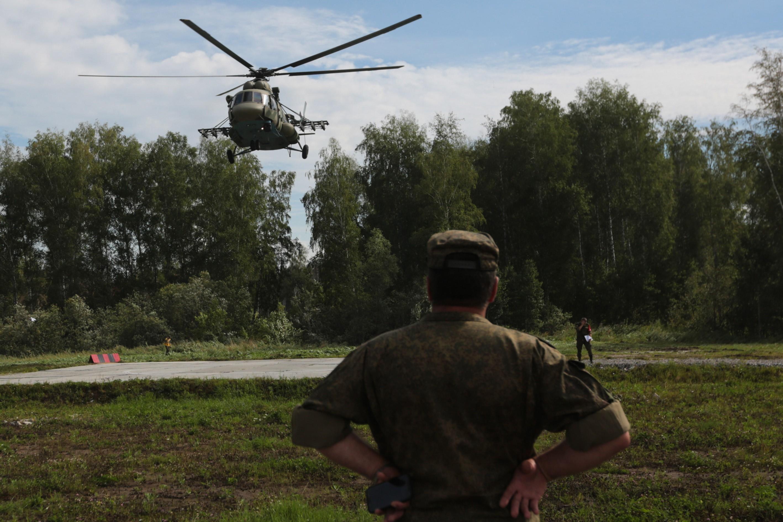 Timişoara: Exerciţii militare pe teren accidentat ale unităţii de cercetare şi ale elicopterelor