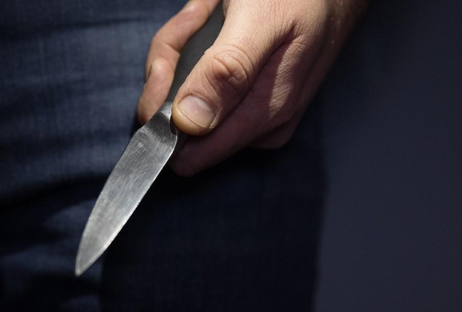 O femeie din Albeşti şi-a înjunghiat soţul pentru că i-a reproşat că nu ştie să facă sarmale. Familia respectivă are un(...)
