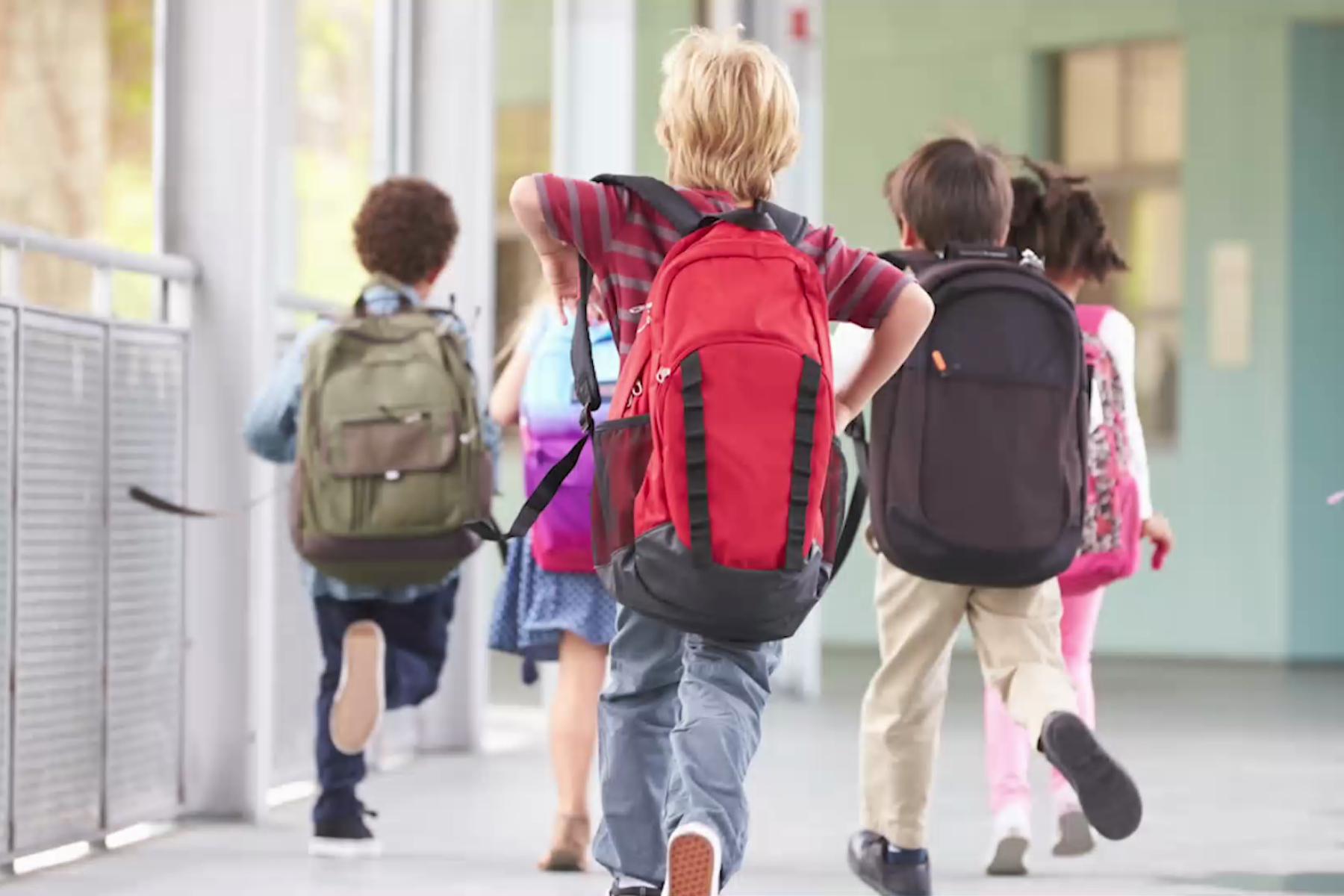 Klaus Iohannis: Este foarte probabil ca anul şcolar să se încheie cu toţi elevii în şcoală