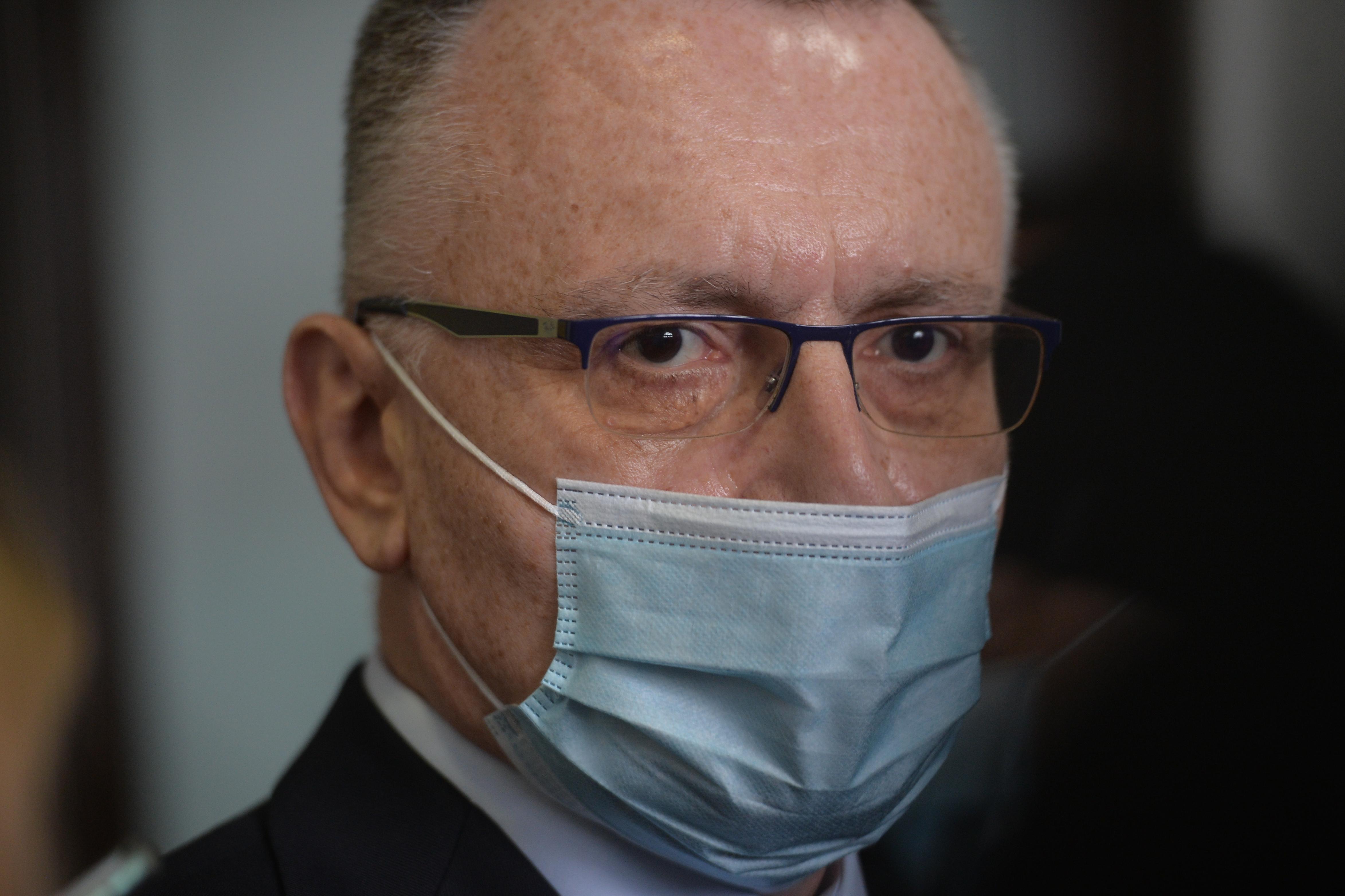 Sorin Cîmpeanu susţine că mai mult de jumătate din profesori s-au vaccinat. Când s-ar putea întoarce elevii la(...)