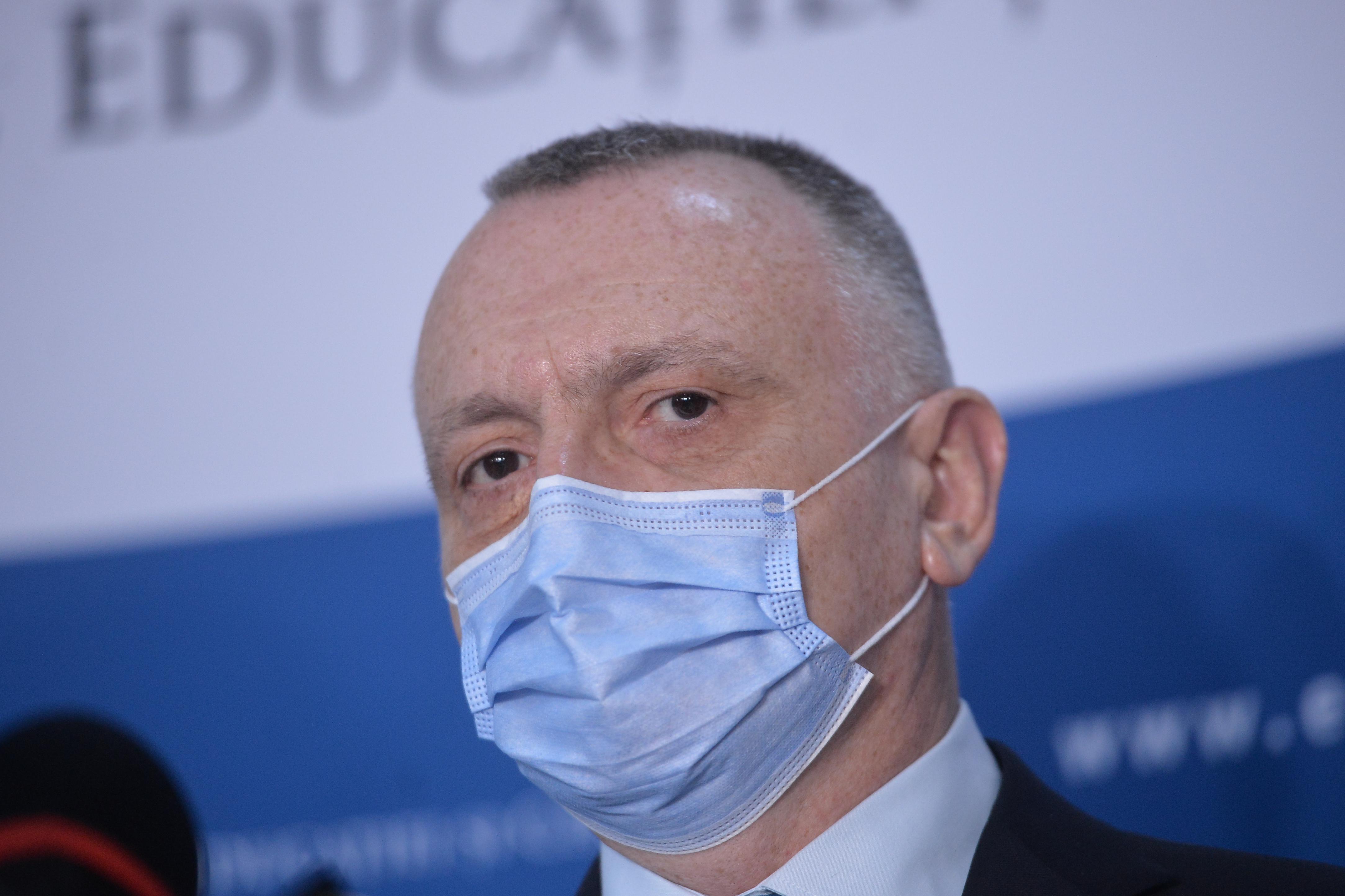 """Ministrul Educaţiei, Sorin Cîmpeanu: """"Fiecare şcoală va avea un grup de acţiune anti-bullying"""""""