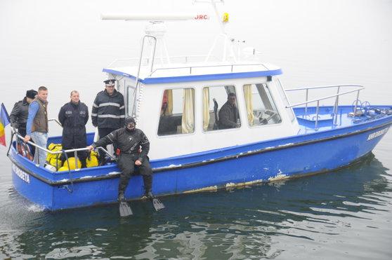 Mai multe echipaje, scafandri şi voluntari au reînceput căutarea fetiţelor dispărute în Dunăre|EpicNews
