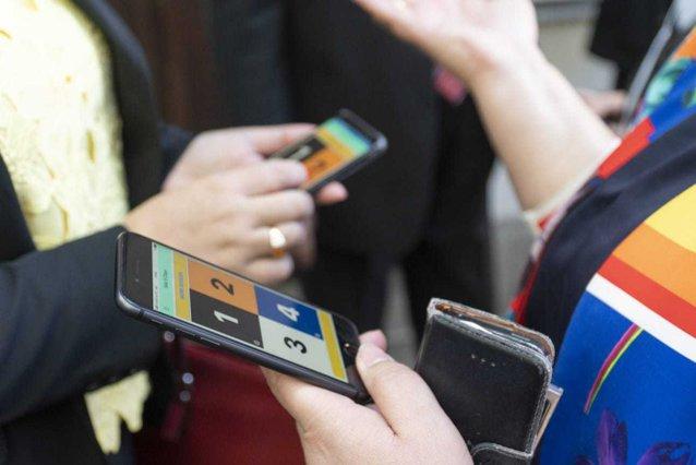 Tehnologia, un sprijin de nădejde. Persoanele cu deficienţe de vedere vor putea merge fără însoţitor prin Iaşi|EpicNews