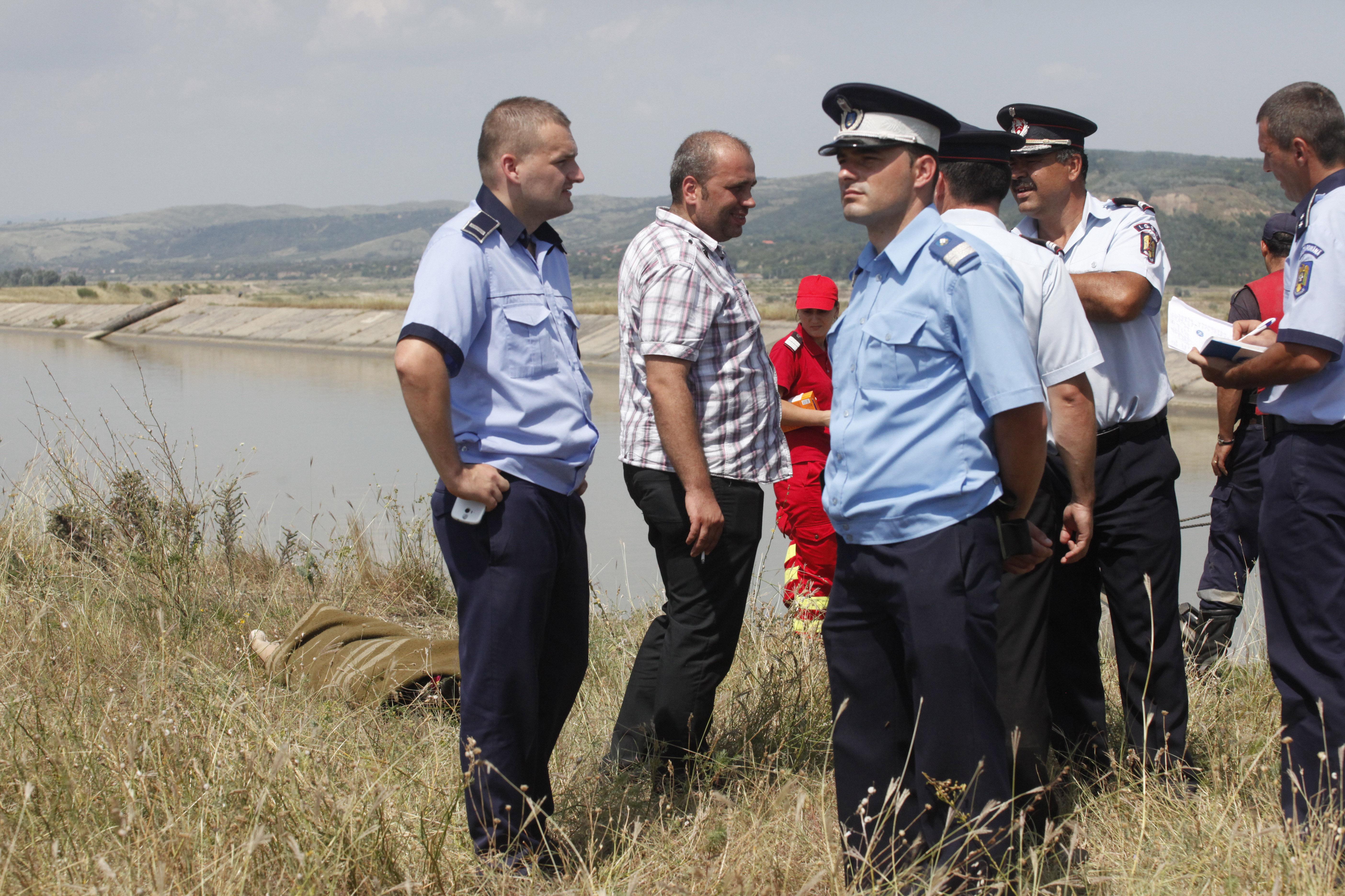 Un copil de 12 ani s-a înecat într-un canal de irigaţii din judeţul Brăila