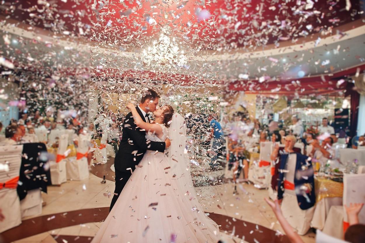 Relaxări de la 1 iulie. Cum se vor organiza nunţile şi botezurilor