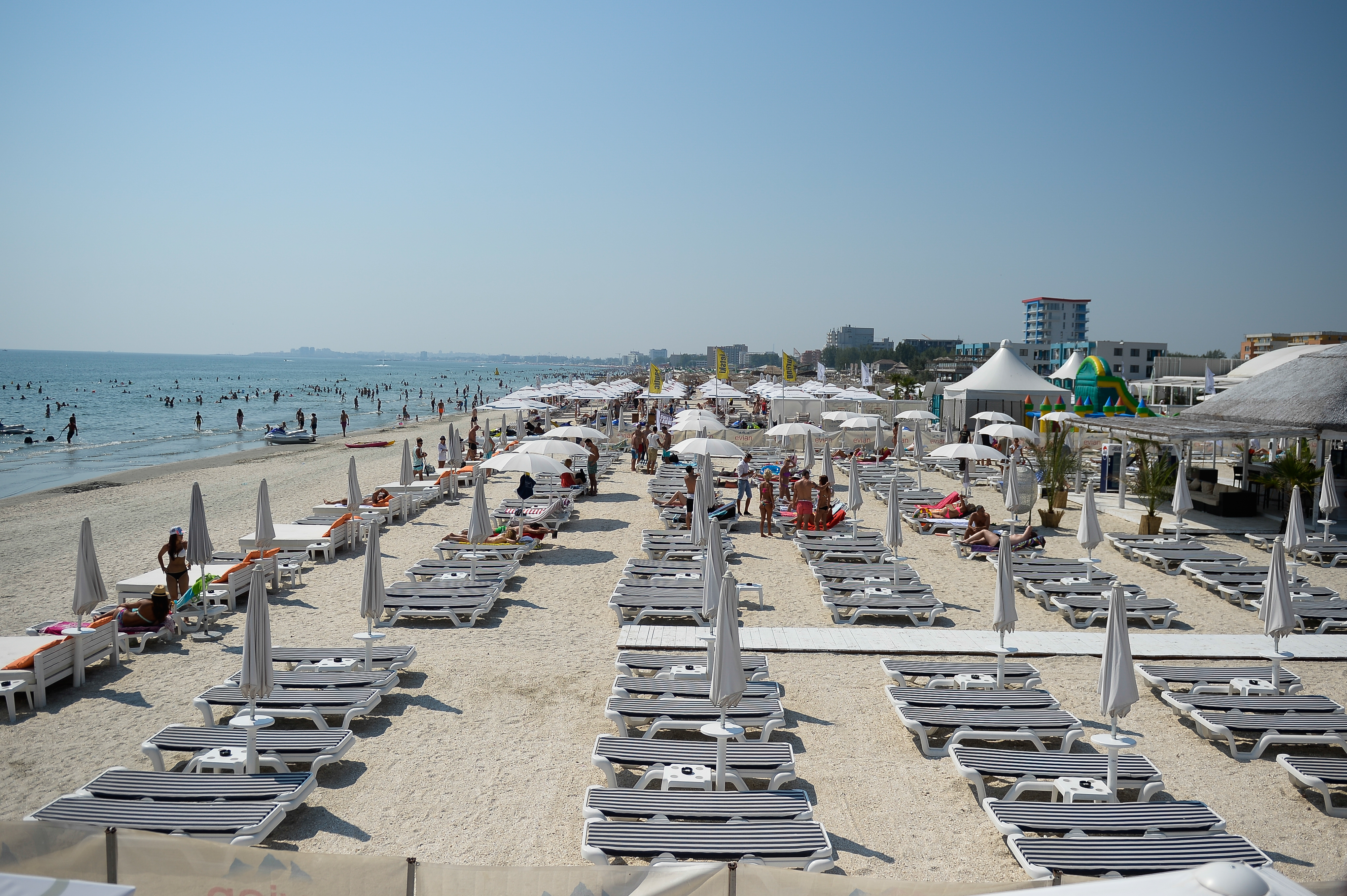 Sejururile în străinătate, mai puţin vizate anul acesta. Românii caută vacanţe deosebite în ţară - STUDIU