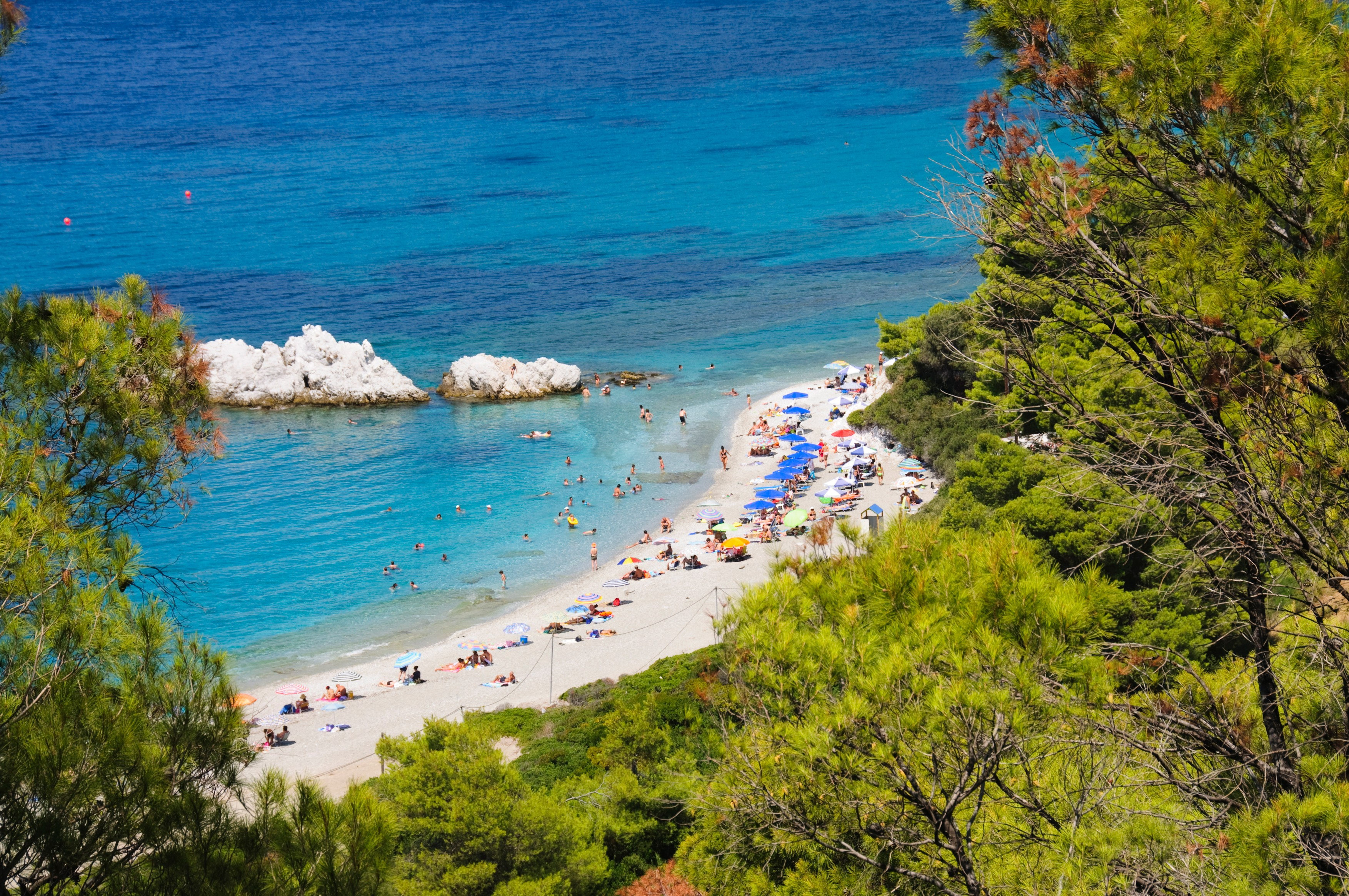 Zone populare din Grecia intră în scenariul roşu: