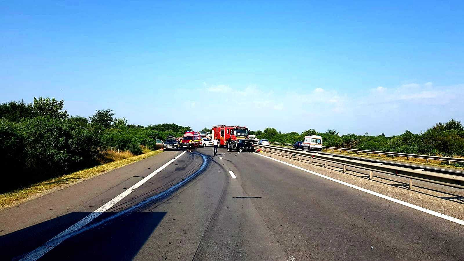 Teleorman: Două persoane au murit şi şase au fost spitalizate după un accident pe DN 65A