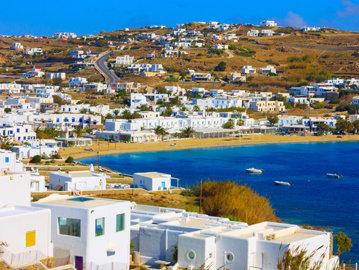 Grecia impune restricţii pe două insule vizitate de turişti, pentru a reduce infectările cu SARS-CoV-2. Când intră în vigoare